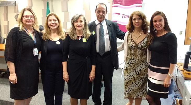Impactos da reforma da Previdência para mulheres é tema de debate na CDH do Senado