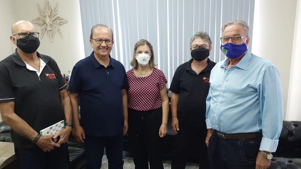 Lideranças da FEAPESC e da COBAP tratam sobre recadastramento das associações com Senador Jorginho Mello